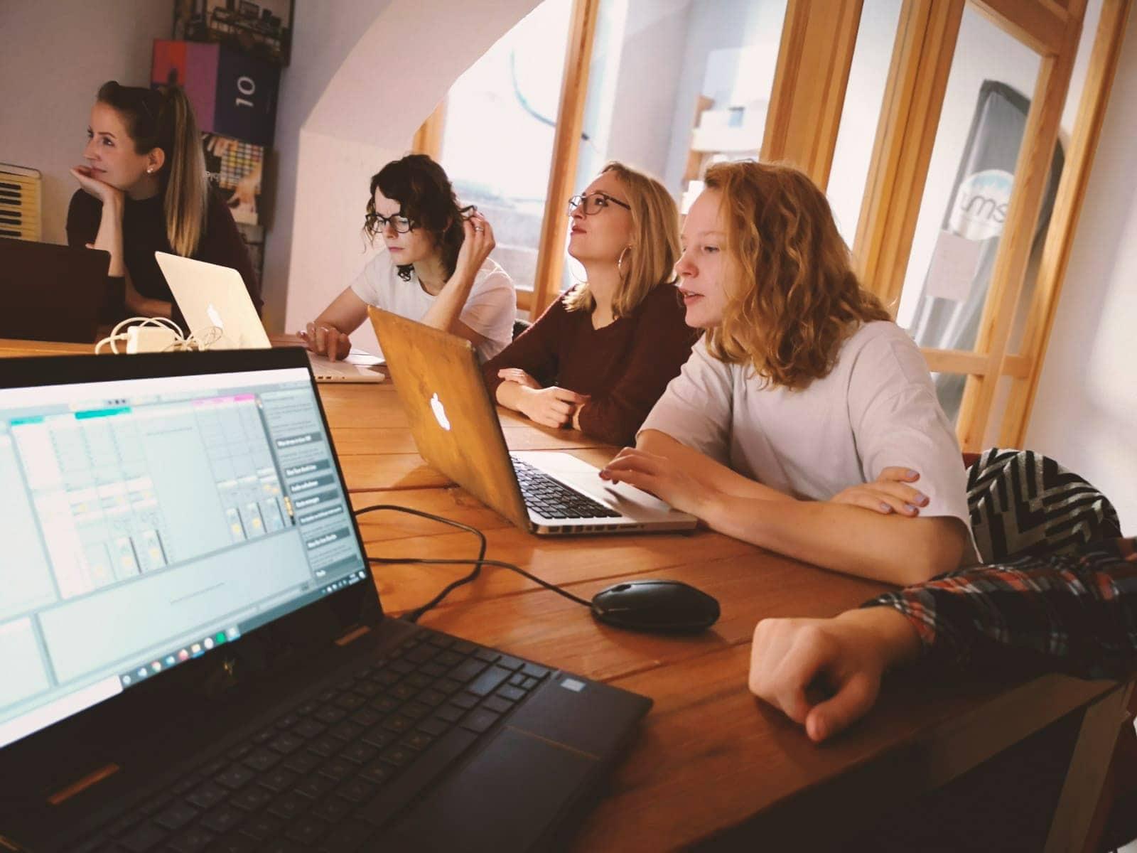 Deine Karriere: Teamevent – DJ-Workshop 2019
